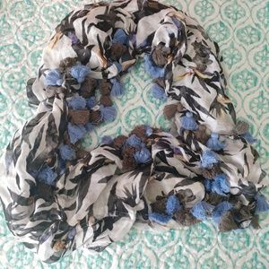 Nicole Miller Infinity scarf
